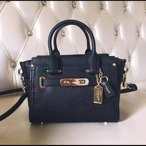 coach pebbled leather swagger 20 Navy